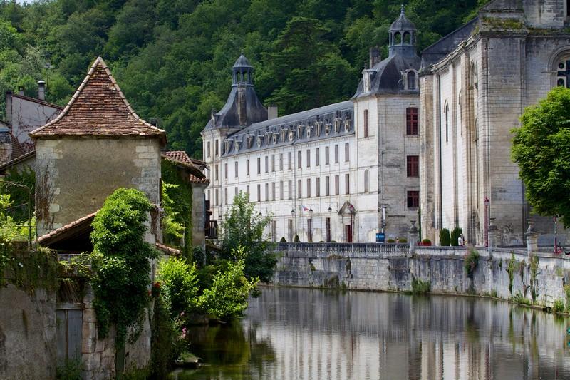 Abbaye de Brantôme et la Dronne